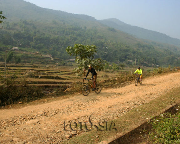 3 Day Cycling Hanoi to Mai Chau Pu Luong