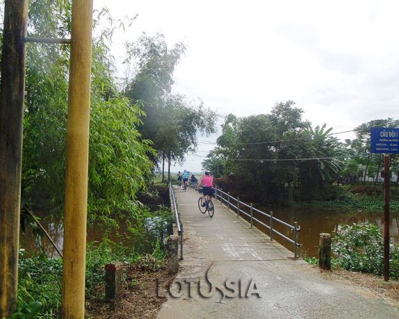 Biking from Hoi An to Hue