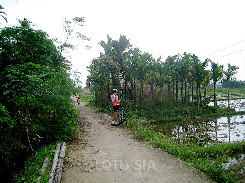 Cycling Hue to Hoi An