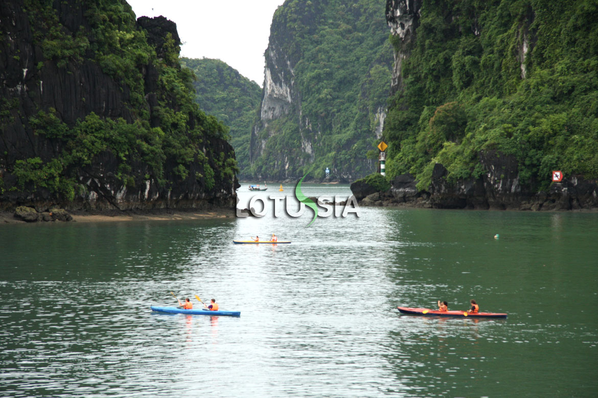 Halong Bay Kayaking Photos