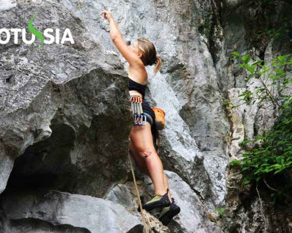 Cat Ba Island Rock Climbing and Trekking Tour