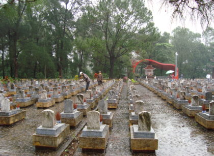 quang tri truong son cemetery